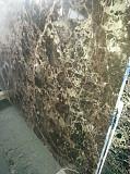 Особомелкозернистые полированные слэбы мрамора и оникса в складе в Киеве. Распродается 2850 кв.м. Киев